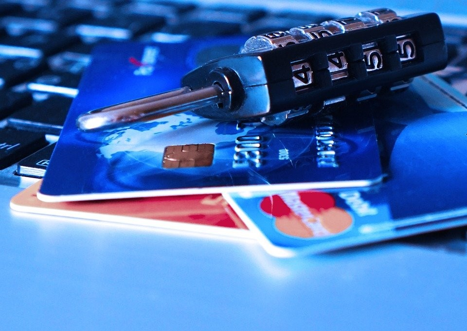 Should I Be Putting All Expenses On A Credit Card If I Can Pay It Off Each Month?