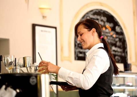 Waiters Get Tip When Pay With A Card